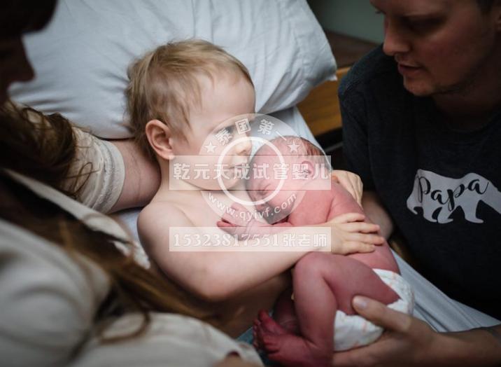 揭秘试管婴儿的孕育过程,妈妈十月怀胎,经历更多的阵痛才把孩子生下