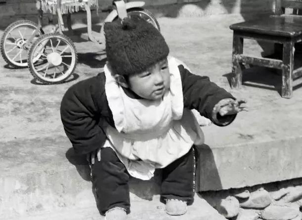 中国第一个试管婴儿郑萌珠,如今生活幸福已是一个亭亭玉立的姑娘了